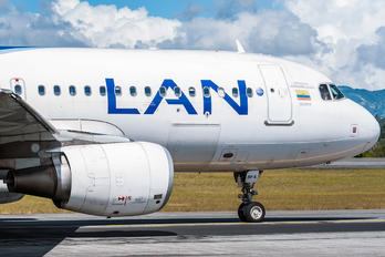 CC-BFA - LAN Airlines Airbus A320