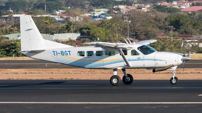 TI-BGT - Private Cessna 208 Caravan