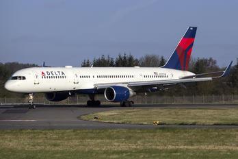 N727TW - Delta Air Lines Boeing 757-200
