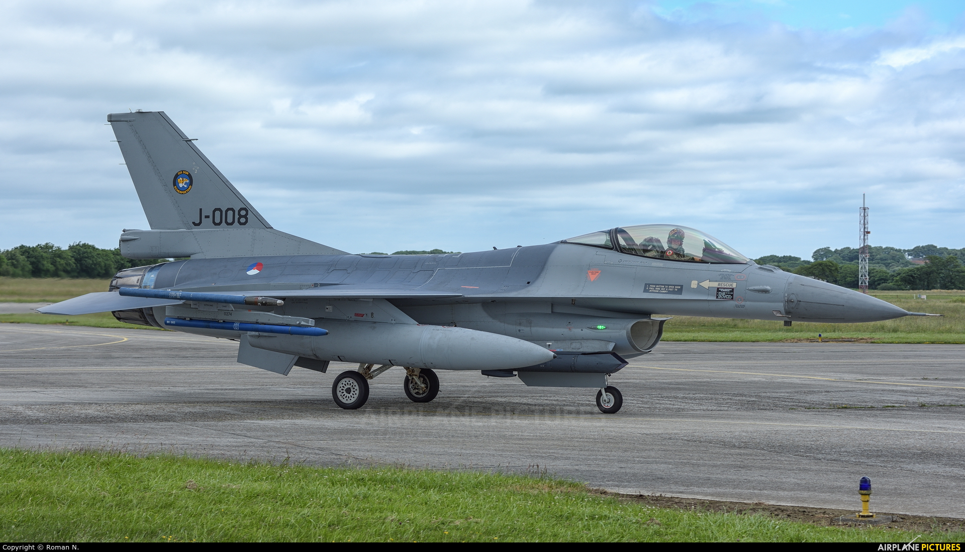 Netherlands - Air Force J-008 aircraft at Landivisiau