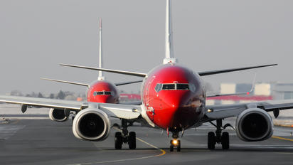 LN-DYL - Norwegian Air Shuttle Boeing 737-800