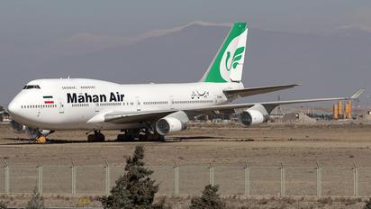 EP-MNA - Mahan Air Boeing 747-400