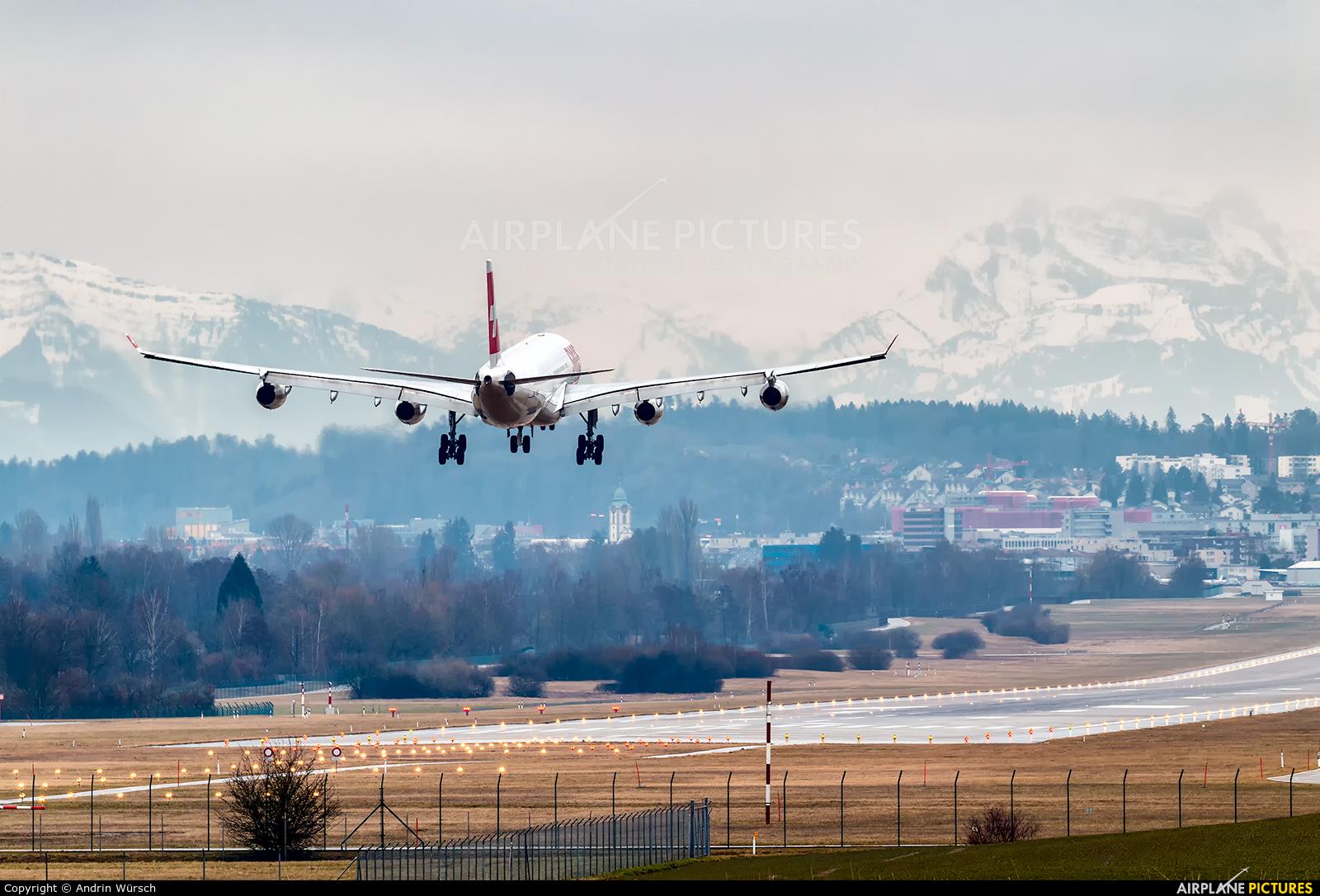 Swiss HB-JMD aircraft at Zurich