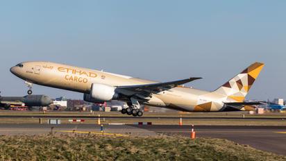 A6-DDD - Etihad Cargo Boeing 777F