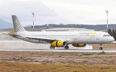 EC-MHS - Vueling Airlines Airbus A321