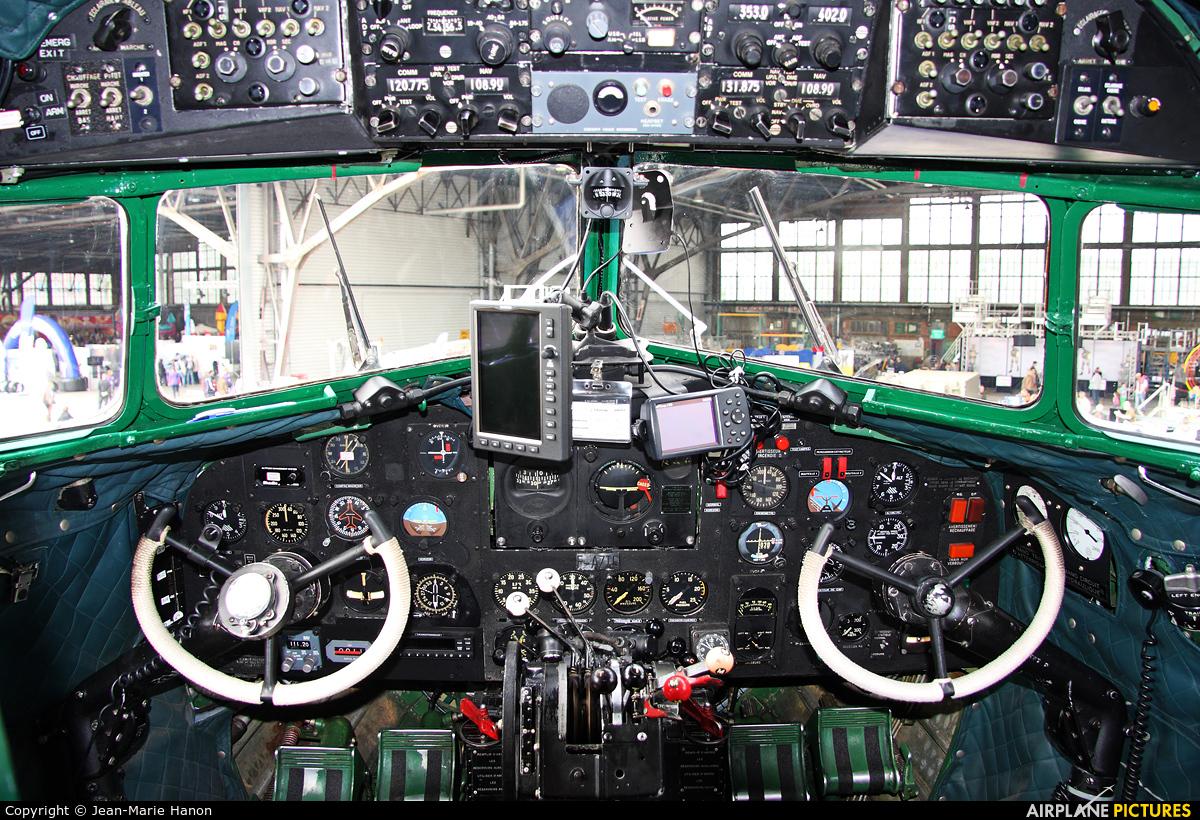 Dakota et Compagnie F-AZTE aircraft at Melsbroek