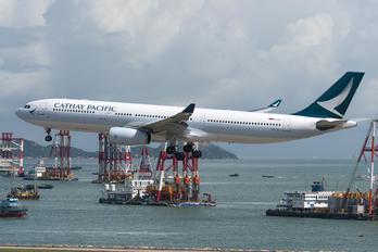 B-LAJ - Cathay Pacific Airbus A330-300