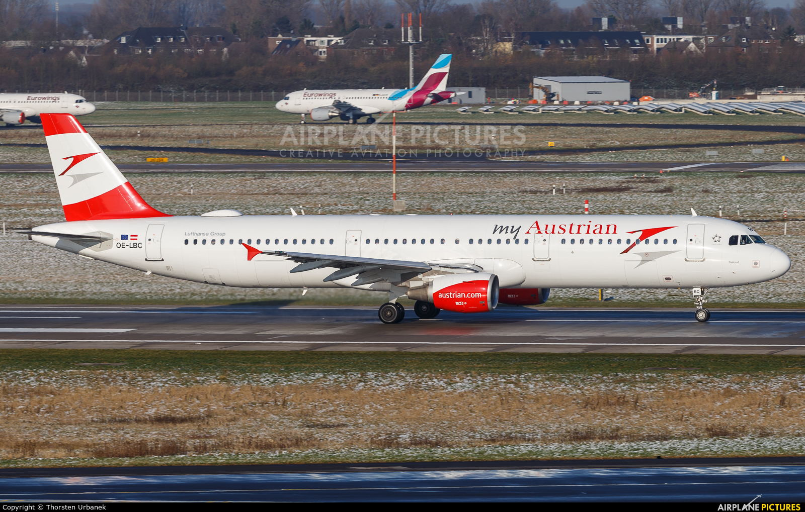 Austrian Airlines/Arrows/Tyrolean OE-LBC aircraft at Düsseldorf