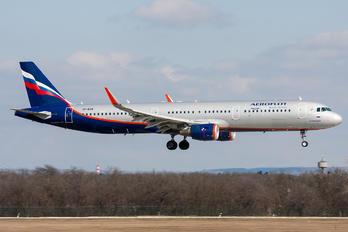 VP-BEW - Aeroflot Airbus A321