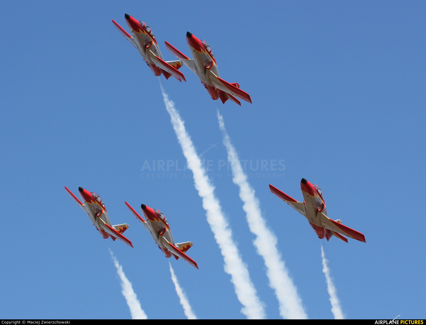 Spain - Air Force : Patrulla Aguila E.25-86 aircraft at Radom - Sadków