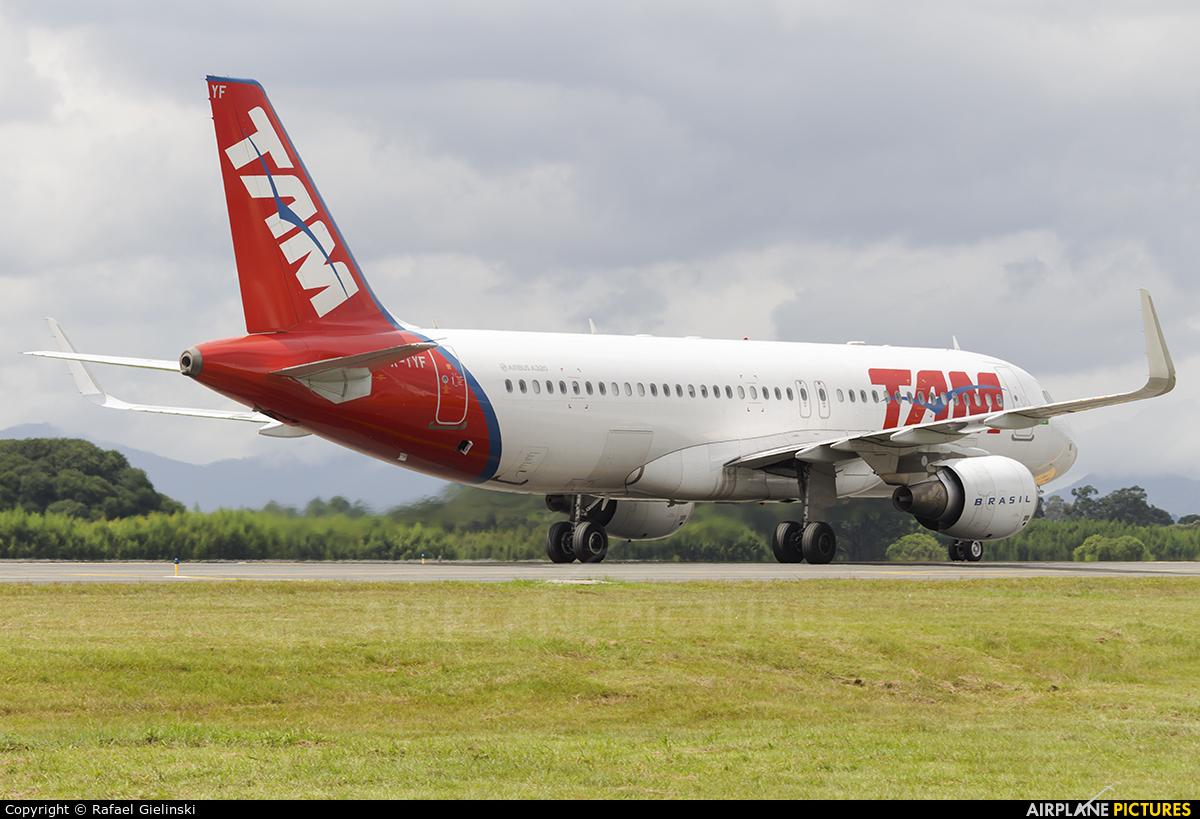 TAM PR-TYF aircraft at Curitiba -  Afonso Pena