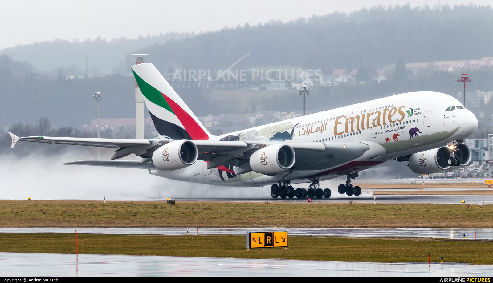 Emirates Airlines A6-EER aircraft at Zurich