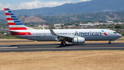 N339PL - American Airlines Boeing 737-800
