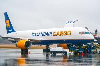 TF-FIH - Icelandair Cargo Boeing 757-200F