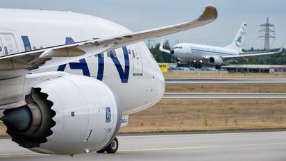 CC-BGJ - LAN Airlines Boeing 787-8 Dreamliner