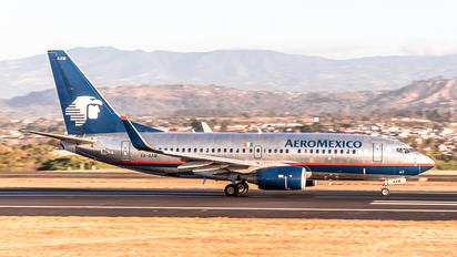 XA-AAM - Aeromexico Boeing 737-700