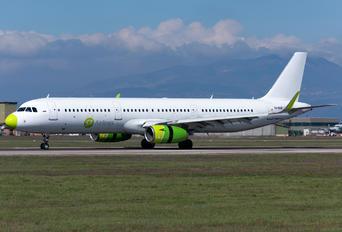 VQ-BDB - S7 Airlines Airbus A321