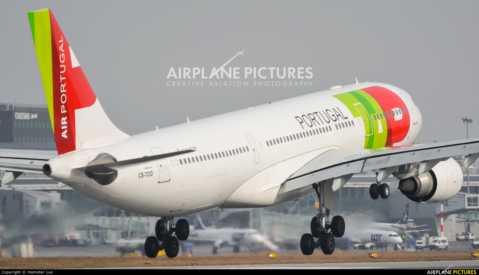 TAP Portugal CS-TOO aircraft at Warsaw - Frederic Chopin