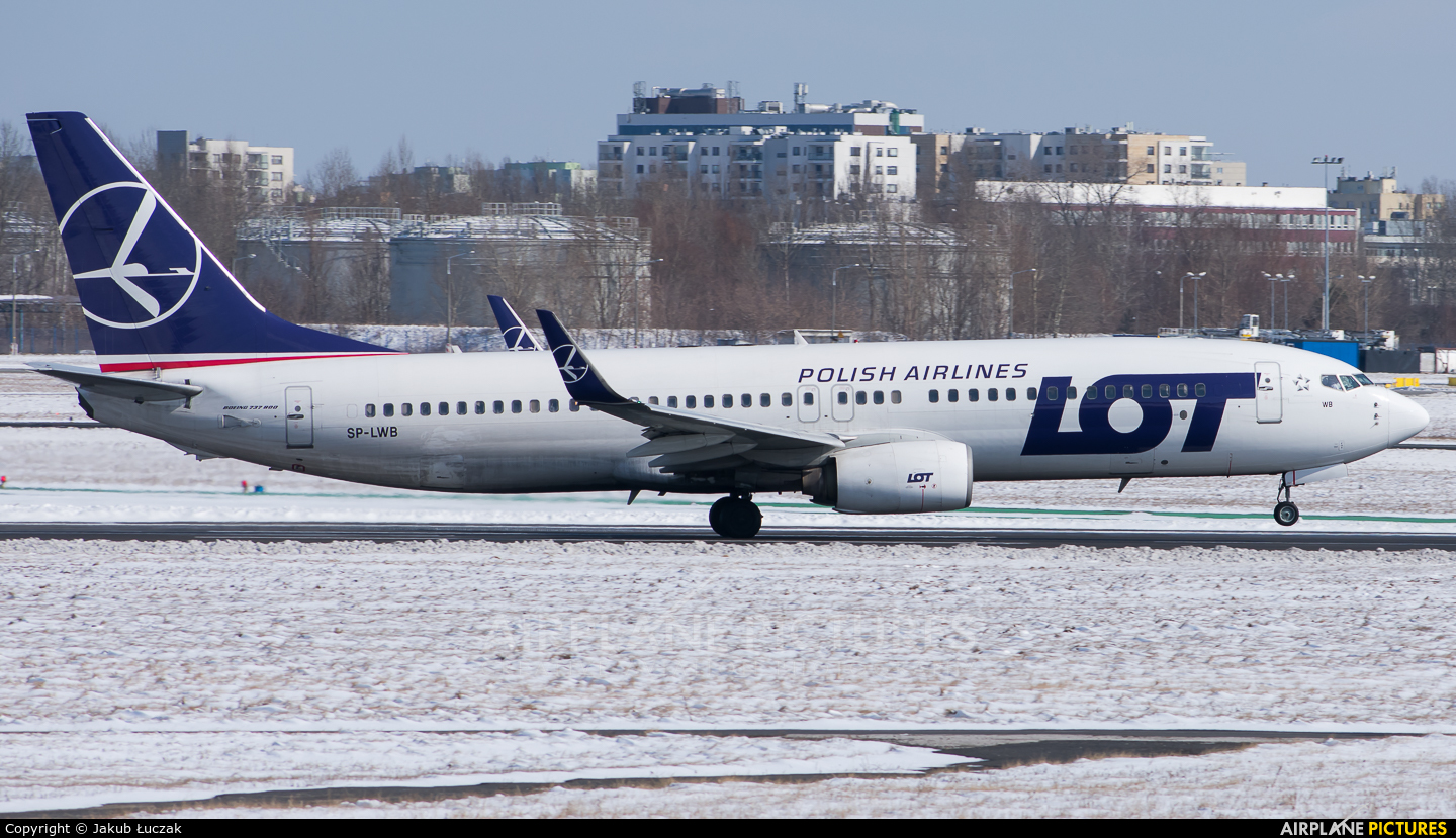LOT - Polish Airlines SP-LWB aircraft at Warsaw - Frederic Chopin