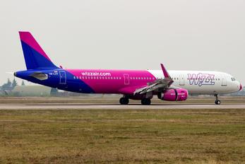 HA-LXY - Wizz Air Airbus A321
