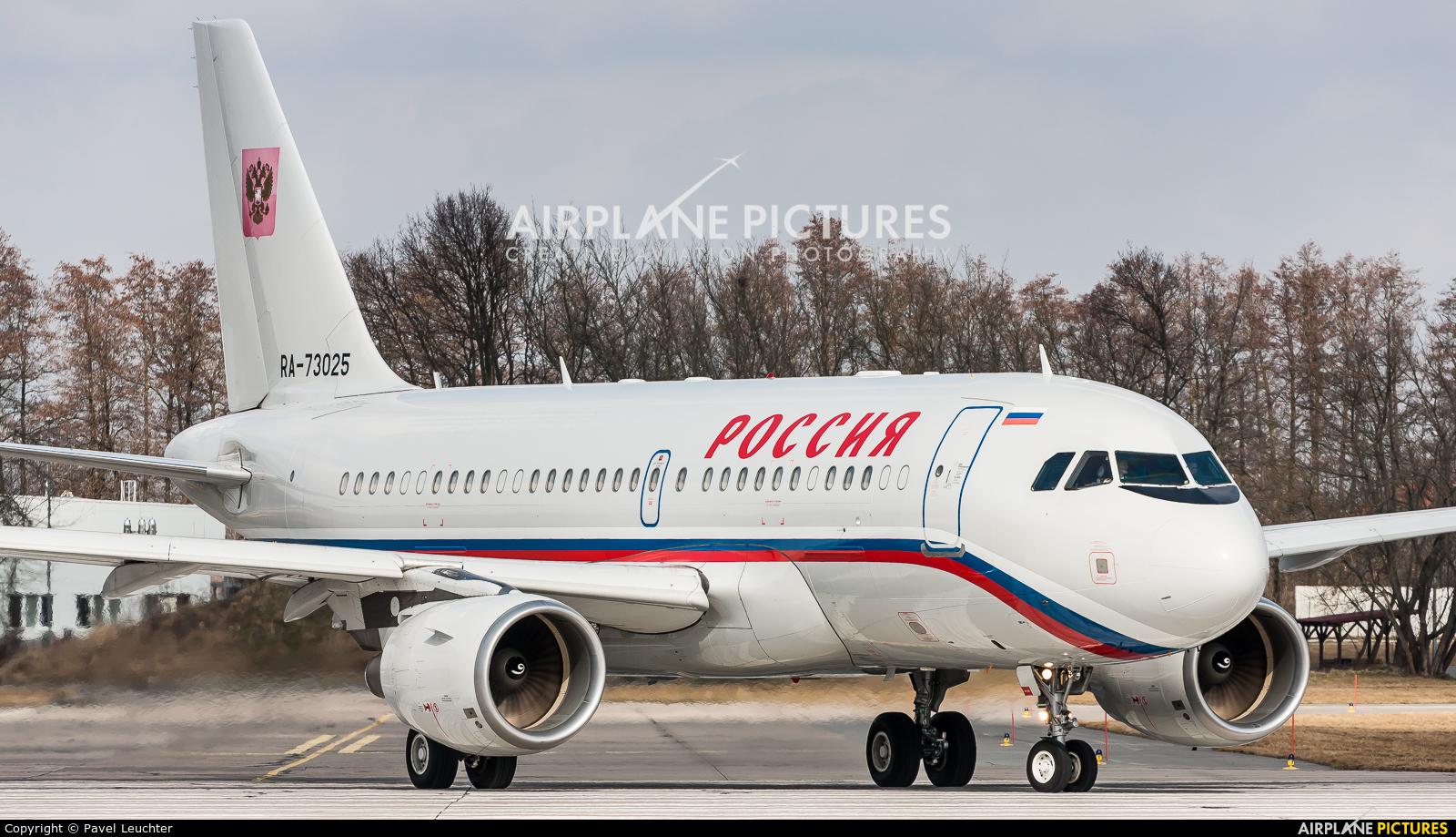 Rossiya RA-73025 aircraft at Pardubice