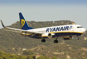 EI-EFW - Ryanair Boeing 737-800