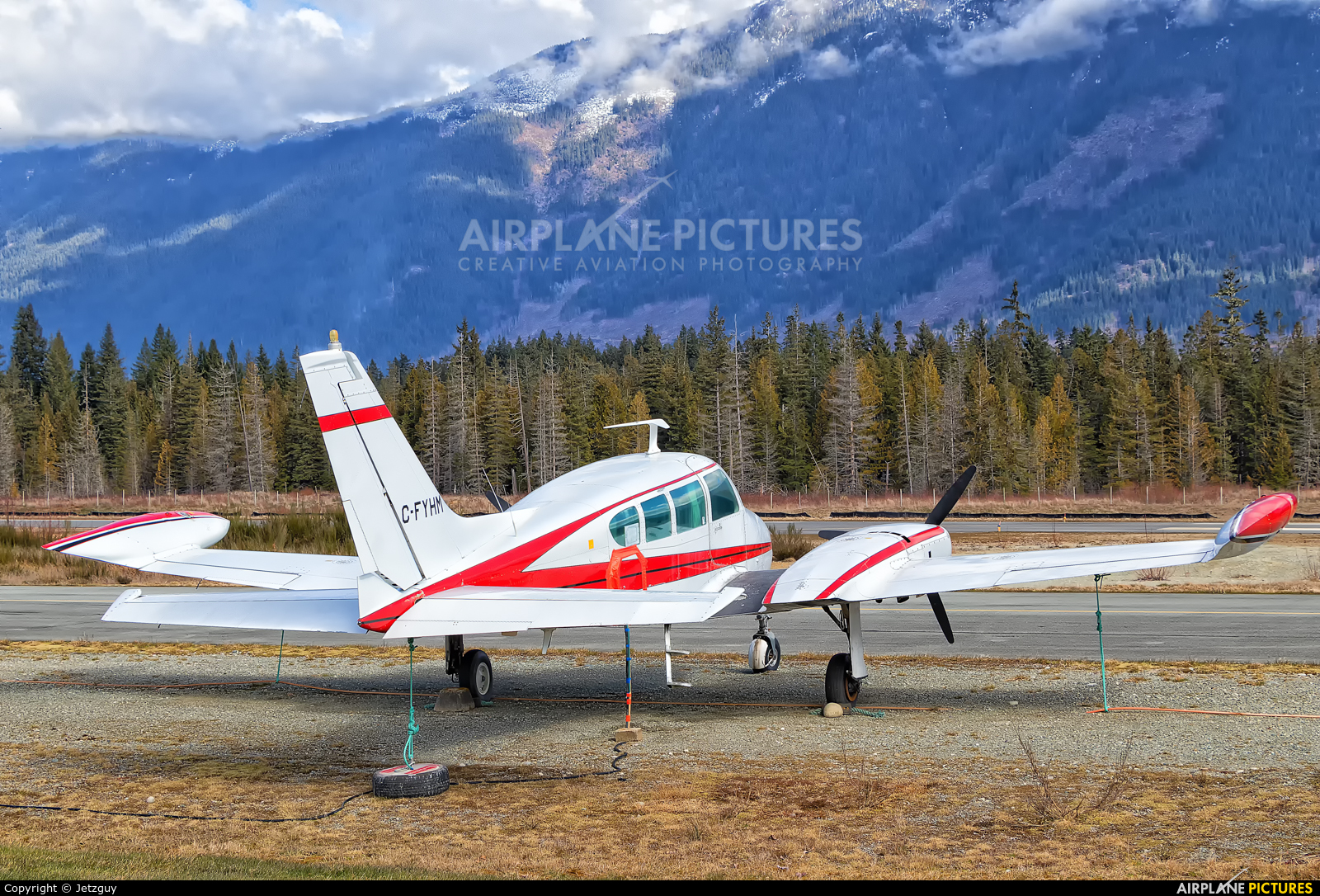 Private C-FYHM aircraft at Port Alberni, BC