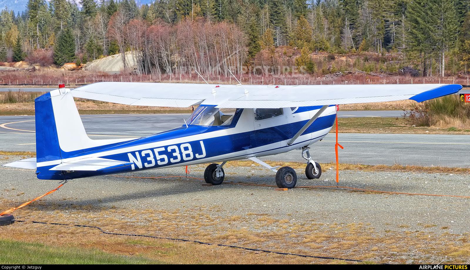 Private N3538J aircraft at Port Alberni, BC