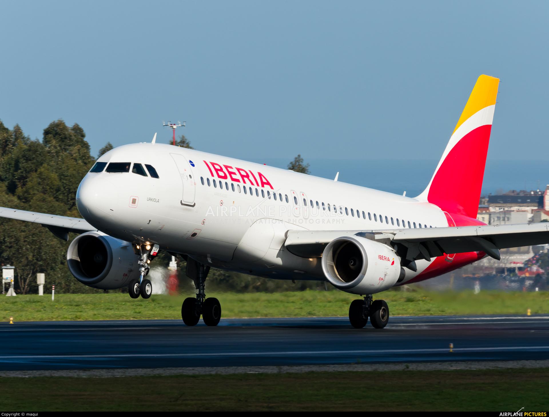 Iberia EC-IZR aircraft at La Coruña
