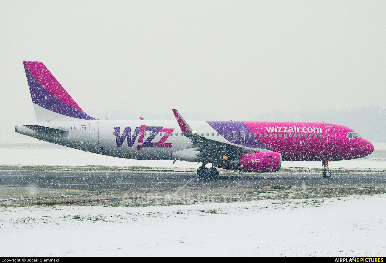 Wizz Air HA-LYN aircraft at Katowice - Pyrzowice