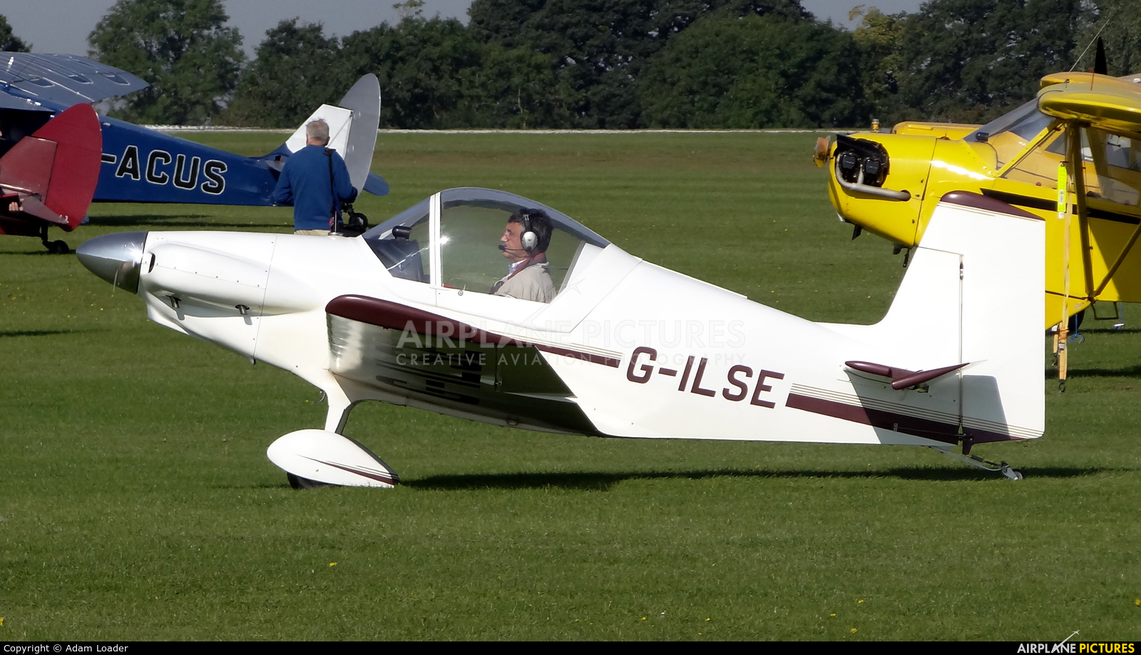 Private G-ILSE aircraft at Northampton / Sywell