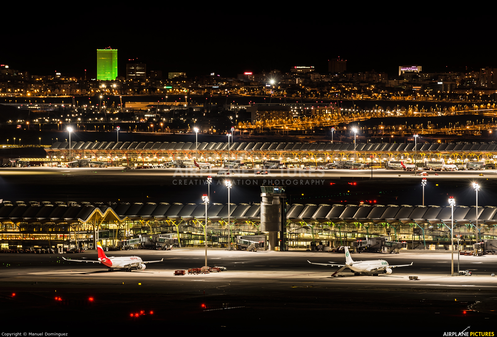 - Airport Overview - aircraft at Madrid - Barajas