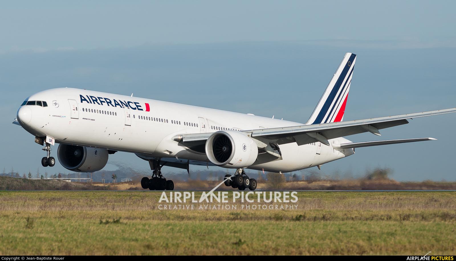 Air France F-GSQR aircraft at Paris - Charles de Gaulle