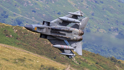 ZA560 - Royal Air Force Panavia Tornado GR.4 / 4A