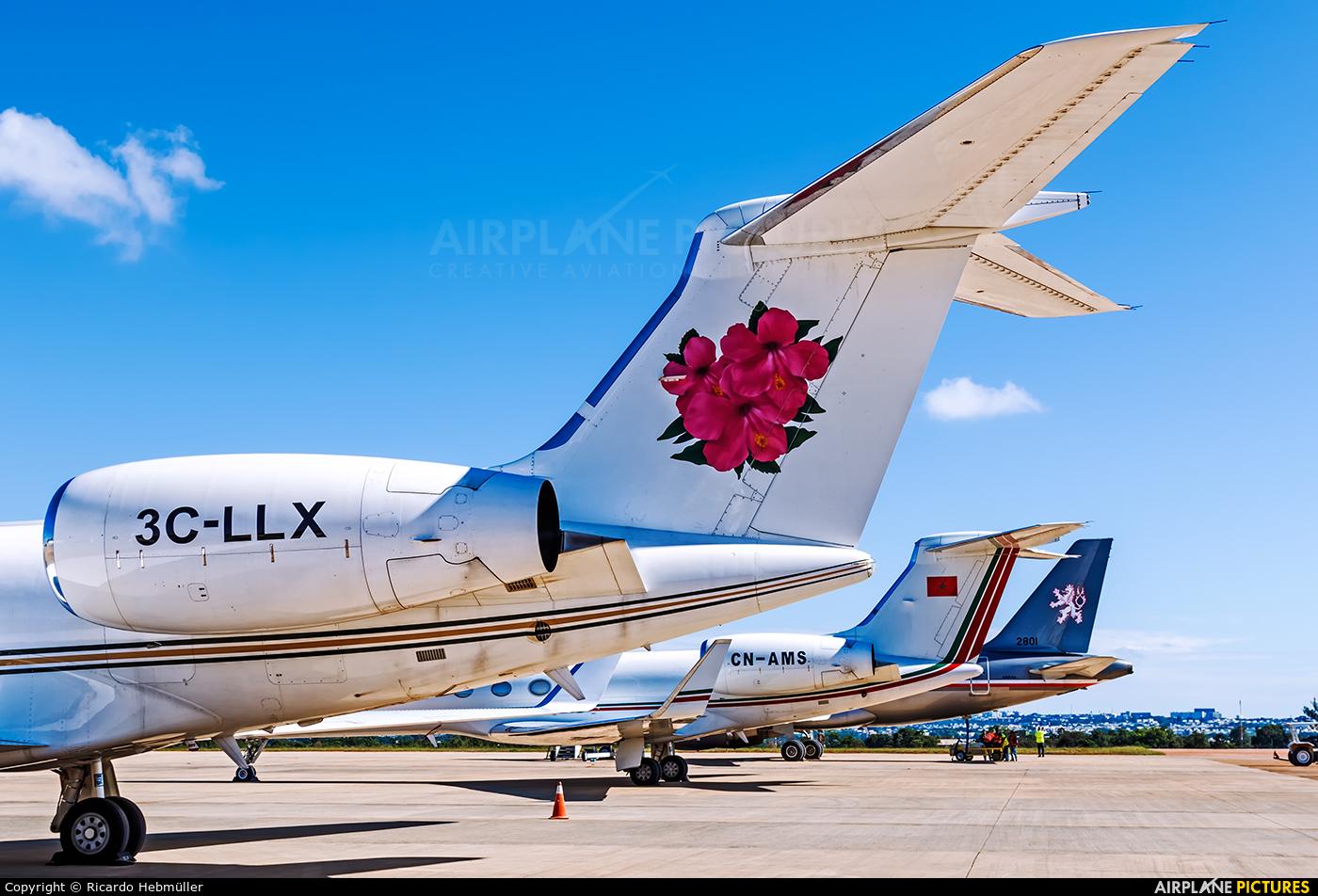 - Airport Overview - aircraft at Brasília - Presidente Juscelino Kubitschek Intl