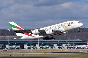 A6-EUV - Emirates Airlines - Aviation Glamour - Flight Attendant