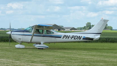 PH-PDN - Private Cessna 182 Skylane (all models except RG)