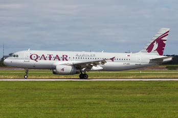 A7-ADC - Qatar Airways Airbus A320