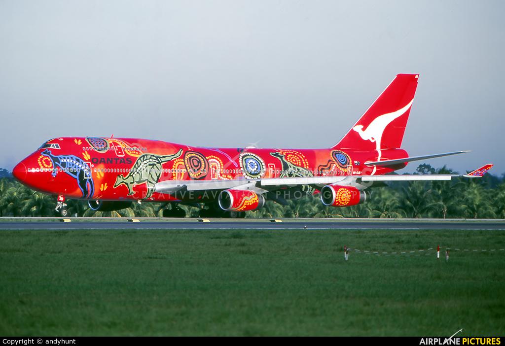 QANTAS VH-OJB aircraft at Singapore - Changi
