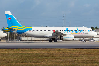 P4-AAD - Aruba Airlines Airbus A320