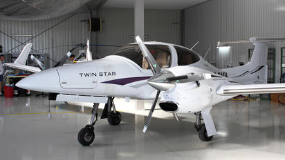 SP-OMK - Private Diamond DA 42 Twin Star