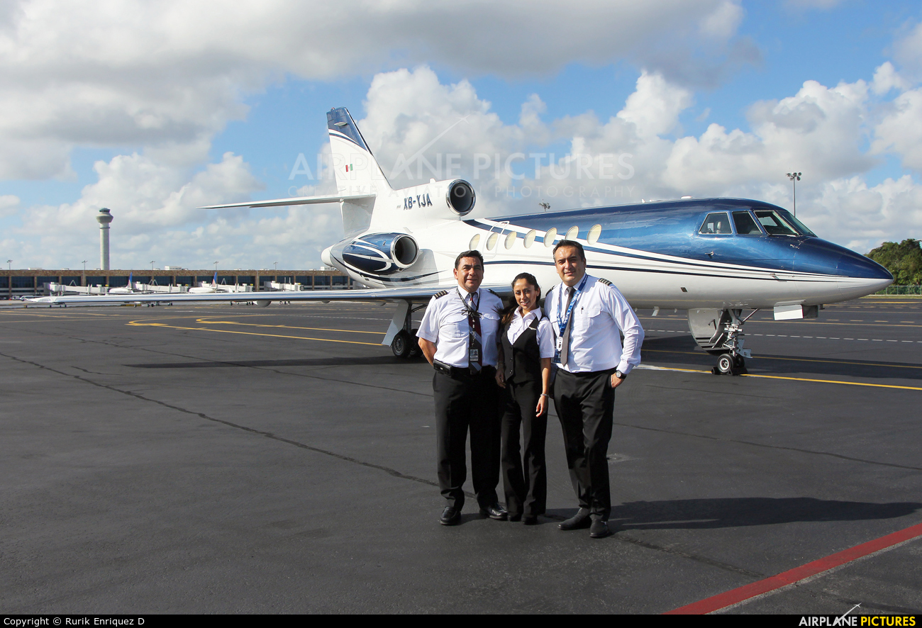 - Aviation Glamour XB-YJA aircraft at Cancun Intl