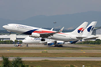 9M-MXT - Malaysia Airlines Boeing 737-800