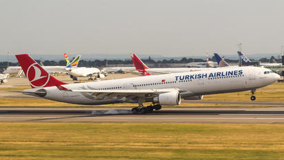 TC-JNT - Turkish Airlines Airbus A330-300