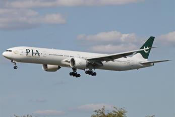 AP-BMS - PIA - Pakistan International Airlines Boeing 777-300ER