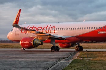 OE-IZL - Air Berlin Airbus A320