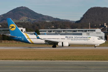 UR-PSK - Ukraine International Airlines Boeing 737-900ER