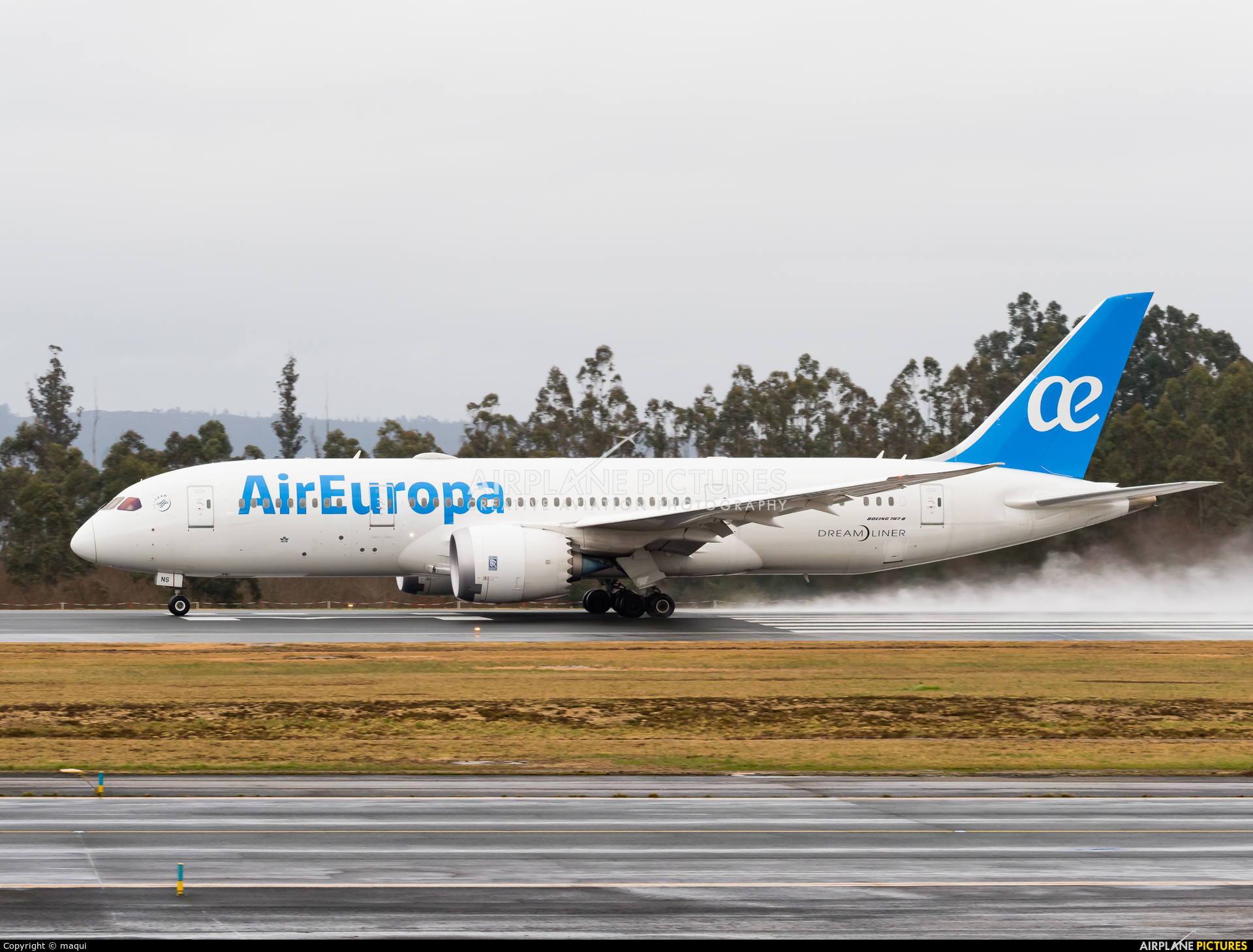 Air Europa EC-MNS aircraft at Santiago de Compostela