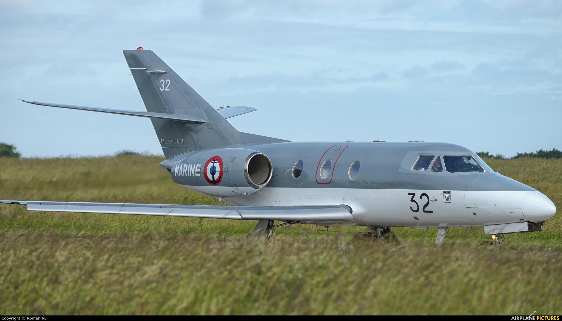 France - Navy 32 aircraft at Landivisiau