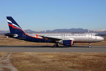 VQ-BIT - Aeroflot Airbus A320